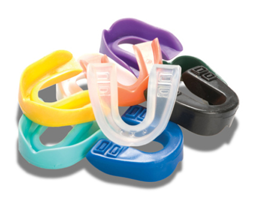 Walgreens-Mouthguard-with-Case-2